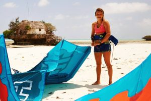 Nannette van der Snoek kitesurf lerares bij KiteMobile