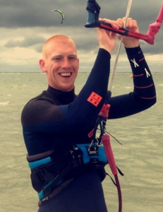 Ricardo Lageweg kitesurf instructeur Friesland KiteMobile