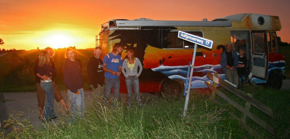 Orginele Mercedes bus als verblijf van Kitesurfschool KiteMobile
